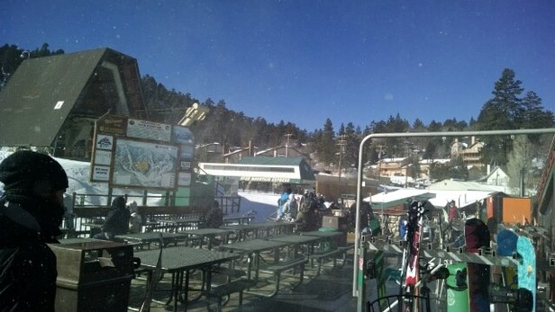 Bear Mountain - no lines, fresh snow, cold beer ?? am I the only one that knows about this place - © uptonupshaw