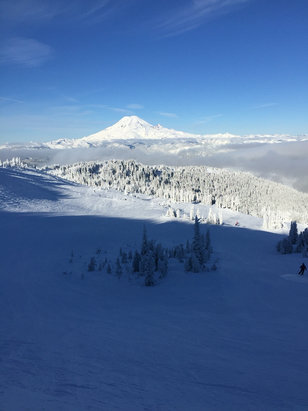White Pass - Clear and cold yesterday. Great view though! - © Preston Carter's iPhone
