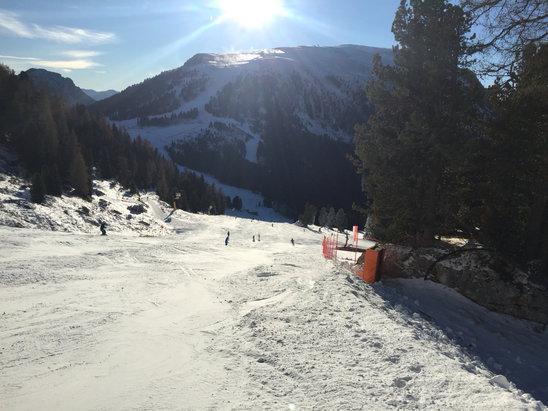 Obereggen - Pampeago - Predazzo - Complimenti agli addetti per la preparazione delle piste anche con poca neve piste perfette!  - © iPhone di giacomo