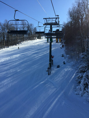 Roundtop Mountain Resort - Conditions are pretty great, lots of people but not crowded. Also snow has lots of coverage, no bare spots. Well worth the money!  - © Andrew's iPhone