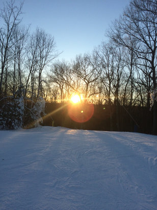 Mount Southington Ski Area - Did some sunset boarding yesterday, to say the least It's open and only really one good run.  - © iPhone (3)