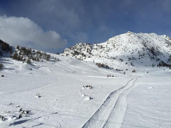Chiesa Valmalenco - Oggi spettacolare freddo e un po di vento ma neve bella - © iPhone di Marco