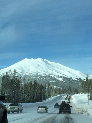 Mount Shasta Board & Ski Park - Lots of people on the road. Beautiful. - © iPhone