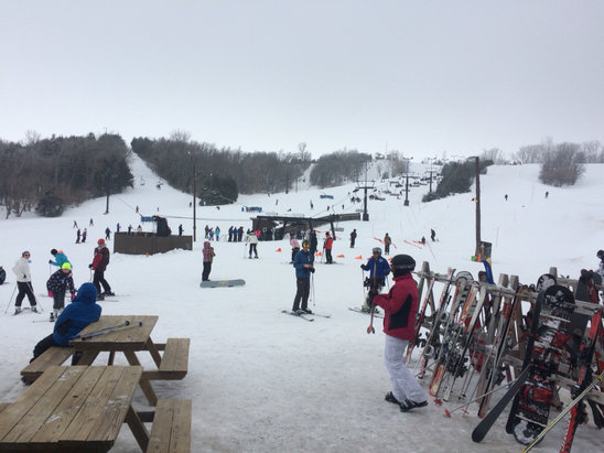 Mt. Crescent Ski Area - Great day to be on the snow. - © SkiandRun