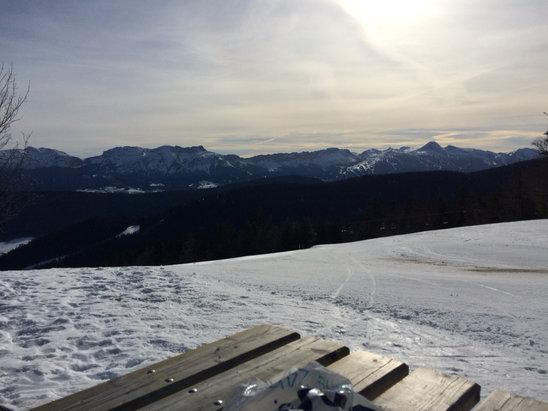 Méaudre - Neige verglacé dans la matinée qui se réchauffe très vite avec le soleil  - © iPhone de Johan