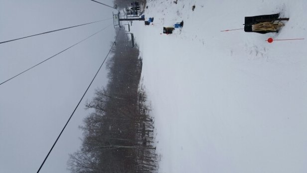 Windham Mountain - pretty good morning.  snowing all morning.  - © donnapradas
