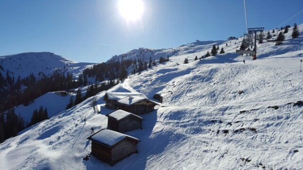 Ski Juwel Alpbachtal Wildschönau - Leider viel zu warm heute, aber dafür Sonnenschein. - © sscherwa