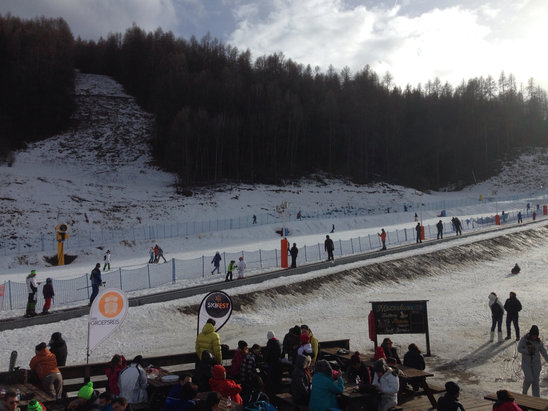 Bardonecchia - Poca neve ma visto il caldo pensavo peggio... Speriamo che cambi la temperatura altrimenti  - © iPhone di Stefano