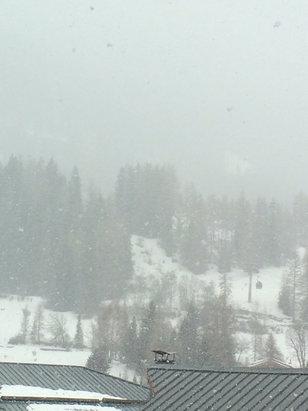 Val Cenis Vanoise - Sous la neige.... Faible visibilité en haut des pistes  - © iPhone de Lionel