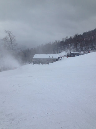 Whiteface Mountain Resort - Blowing snow all over the mountain, conditions good but variable - © iPhone