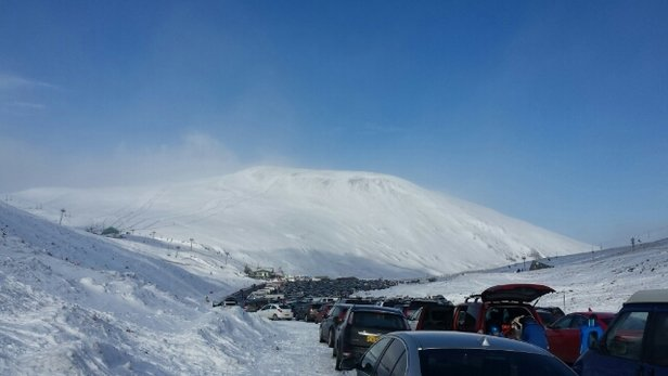 Glenshee - Very busy. Some soft snow but a lot of thin icy areas.  - ©martylow1979