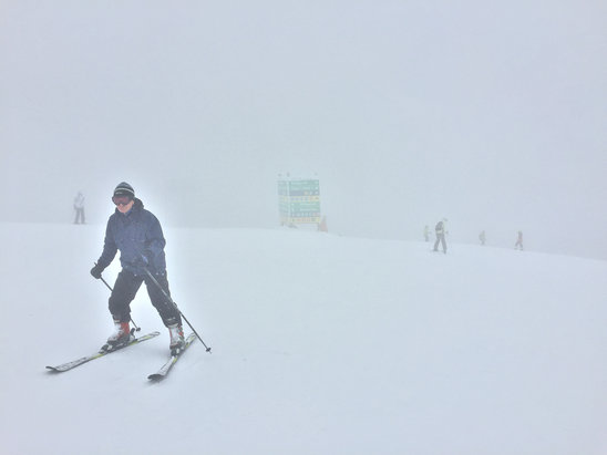 Bansko - Fresh snow at the top! But bad visibility. 