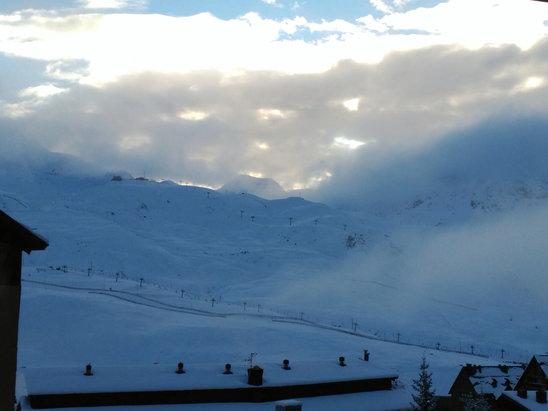 Fórmigal - Gran nevada hoy. 50 cm desde anoche. Muy mala visibilidad, hoy. La tarde ha quedado preciosa. A ver qué tal mañana... - © Lola C
