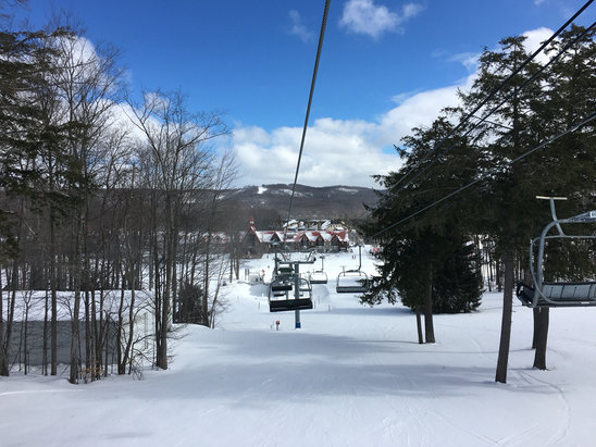 "Boyne Highlands - Monday 2/29, a fresh 3"" or so, strong winds, blowing it in many areas deeper than 6"". Excellent skier packed Michigan powder. Nice terrain parks, short half pipe too.  - © AP Ski Team"