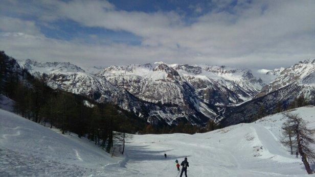 Bardonecchia - Vista dal Seba stamattina... neve compatta e in buone condizioni! oggi sciare è un piacere! - © Looca