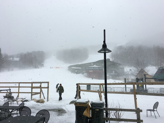 Sugarbush - A few inches of fresh overnight with a thin crust from some early morning rain equals much better coverage than yesterday. Low traffic also means that the new stuff isn't getting scraped of as quickly. Snowing pretty hard now, winds picking up and temps are dropping. - © Rob