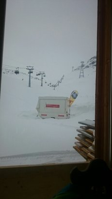 Davos Klosters - half groomed slopes poor visibility not a nice day skiing  - © gilesjsn