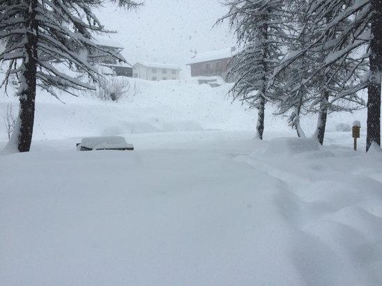 Madesimo - Tanta neve,impianti più alti tutti chiusi  - © and