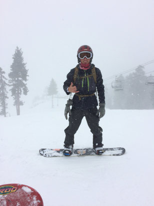 Bear Mountain - Unbelievable conditions, absolutely dumped on the mountain today, solid 6+ inches of snow. - © iPhone (13)