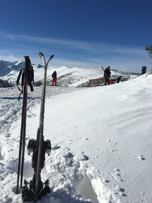 Borovets - Fresh powder this morning top of gondola. No piste bashing going on so fairly hard work for the novice. Great for the boarders!! - © ryan's iPhone