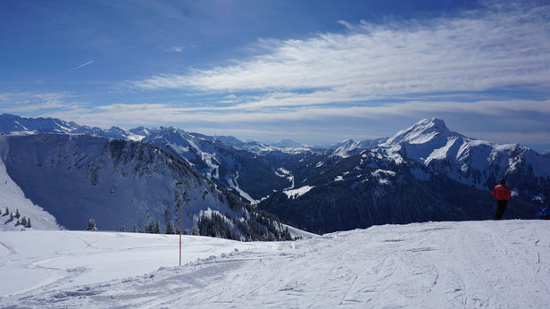 Chatel - View from super Chatel looking across portes du soleil region - © POMPEY's iPhone