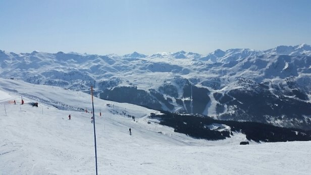 Courchevel - pretty good conditions with blue skies 