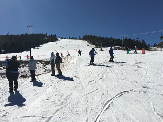 Angel Fire Resort - Lots of beginners and ice and dirt - © iPhone