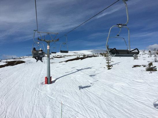 Norefjell - Snøen smelter raskt. Mye slush. Men været får de aldri!  - © PTK 6S+