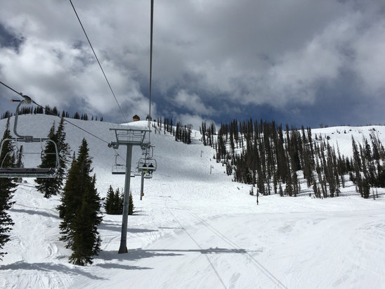Wolf Creek Ski Area - [! skireport_firsthandpost_pagetitle ] - © Bryant's iPhone