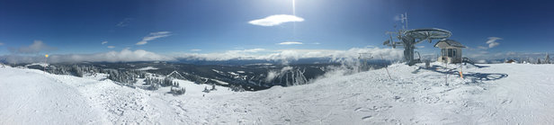 Sun Peaks - Amazing day! Powder up top was prime and groomers were smooth! Love this place great vacation! 