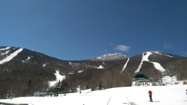 "Jay Peak - with 19"" the past three days wasn't that hard to find fresh powder stashes in the upper glades  - © powder hound"