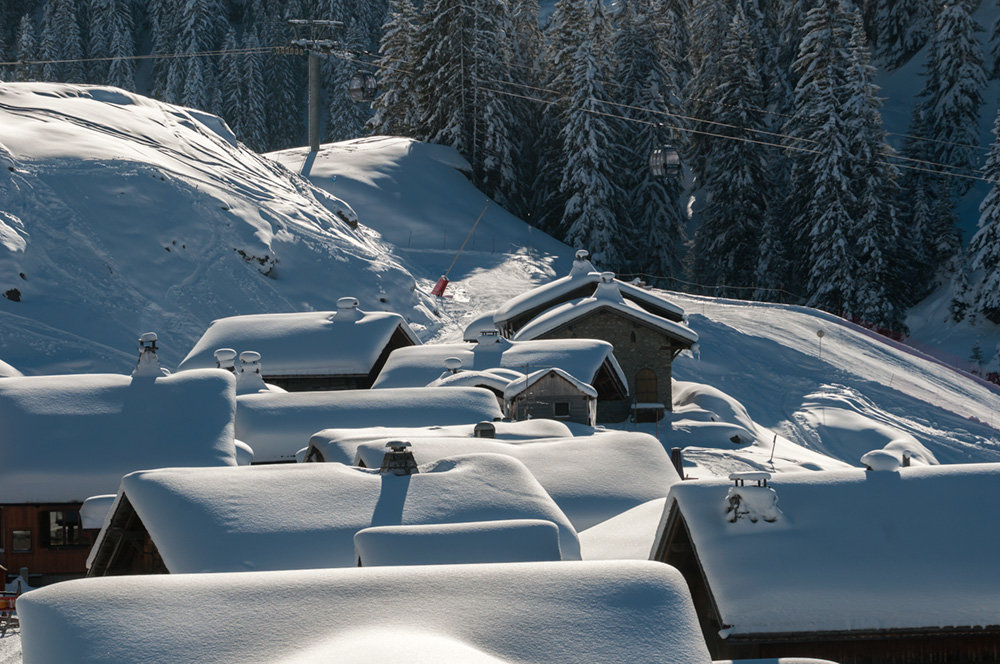 Depuis Montriond, empruntez la télécabine qui vous conduira jusqu'au plateau des Lindarets, à quelles encablures d'Avoriaz... A vous les pistes de ski ! - © Yvan Tisseyre / OT Vallée d'Aulps
