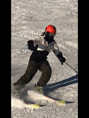 Jackson Hole - The conditions up top are awesome. Lower mountain had some ice patches but lots of powder everywhere!!! - © iPad