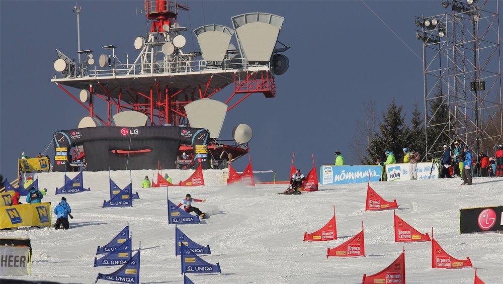 Pistenaction im Skigebiet Jauerling - © Josef Salomon - wachaufoto.at