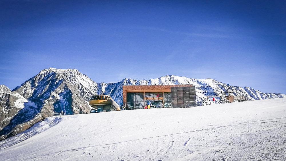 Blick auf die Sunna Alm - © Pitztaler Gletscherbahn GmbH&CoKG