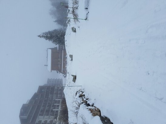 Alpe d'Huez - snowed most of the day today! - © spencer