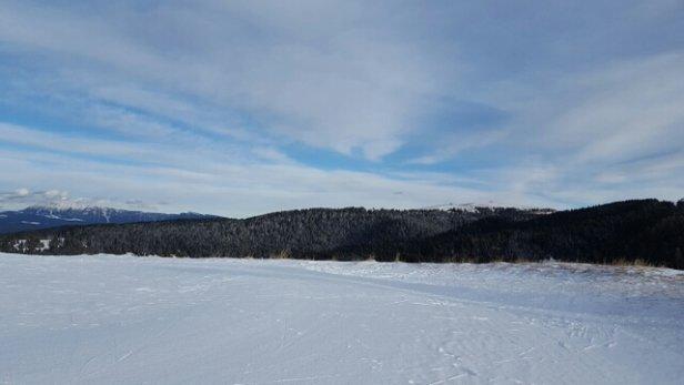 Folgaria - grazie alla nevicata di giovedì notte le piste sono praticamente perfette!! Folgaria non delude mai.. - © mirko