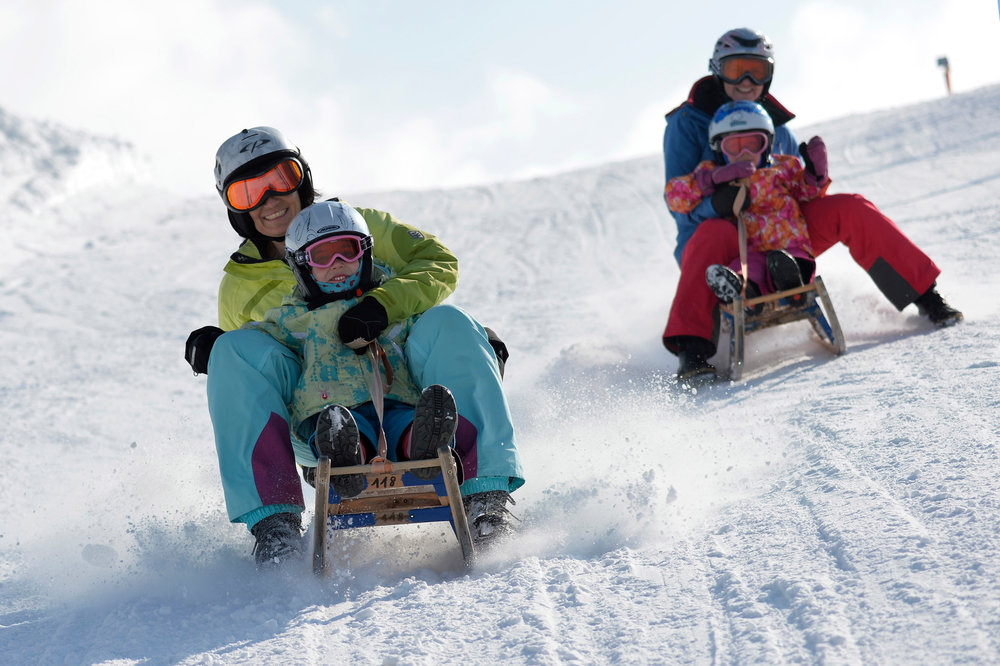 Familienurlaub im Skigebiet Sattel-Hochstuckli - © Sattel-Hochstuckli AG