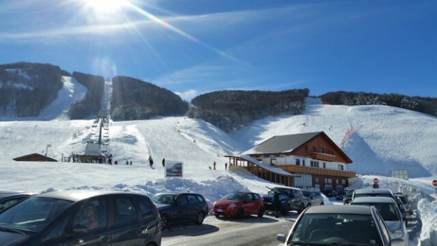 Campo Felice - Rocca di Cambio - neve spettacolare. ..si è sciato meravigliosamente   - © simone