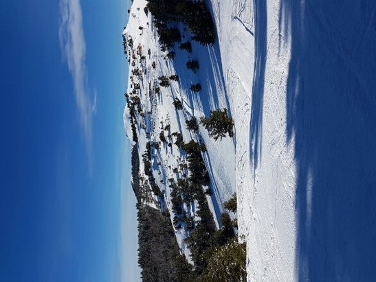 Camurac - Great day at Camurac....blue skis and quiet runs first thing. Good snow conditions. - © kt463