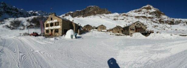 Alagna Valsesia - Monterosa Ski - neve anche per l'igloo  che cielo e che montagne!!!! - © ggabella50