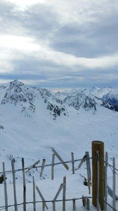 Grand Tourmalet (La Mongie / Barèges) - Une très belle journée, très bonne neige, pas d'attente aux remontées. - © Thomas