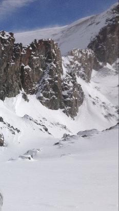 Les 2 Alpes - Beau temps ce matin, averse de neige cet après-midi. Bonne neige fraiche en altitude - © iPhone de Jean
