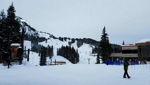 Stevens Pass Resort - Sunday Funday. Busy but things look pretty nice.  Haven't gone up quite yet.  - © SkiBum