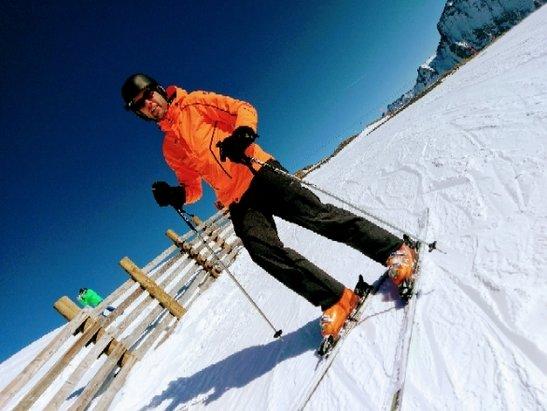- © Snowboard en Skiën