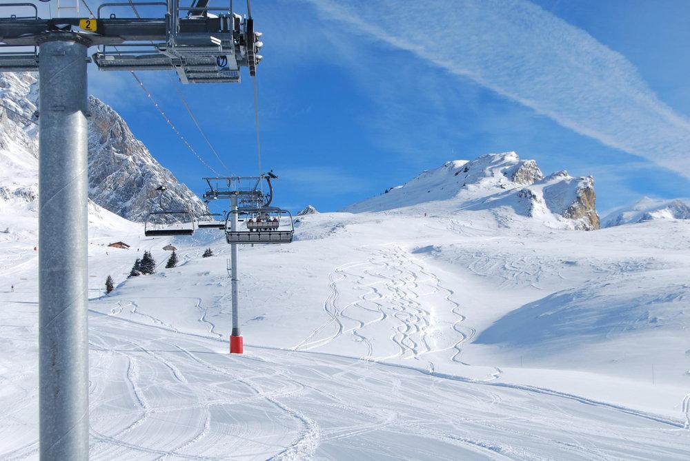 Ski sur la partie supérieure du domaine skiable de Pralognan la Vanoise - © OT de Pralognan la Vanoise
