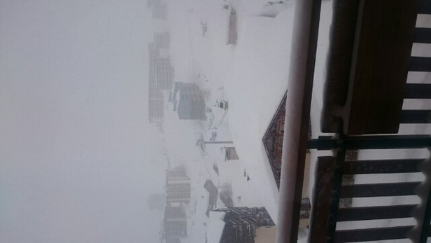 Tignes - will the snow ever stop, 
