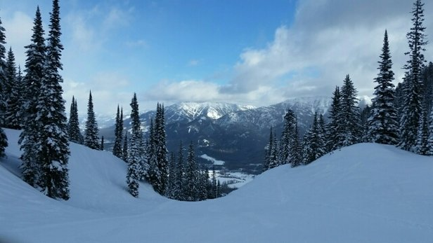 Fernie Alpine - lots of snow top to bottom - © tracytegg