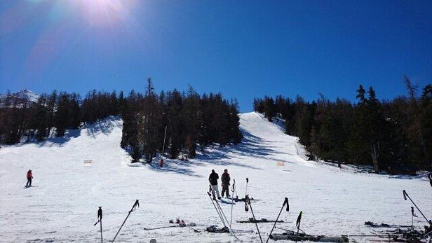 Val Cenis - bravo aux équipes de chasse neige neigeau top en haut purée en bas, forcément abec tout ce soleil  - © rubis