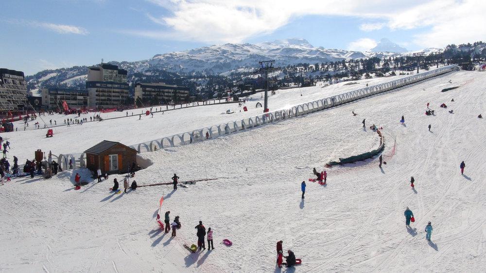 Le front de neige de La Pierre Saint Martin et son Espace découverte dédiée aux débutants - © Stéphane GIRAUD-GUIGUES / Skiinfo